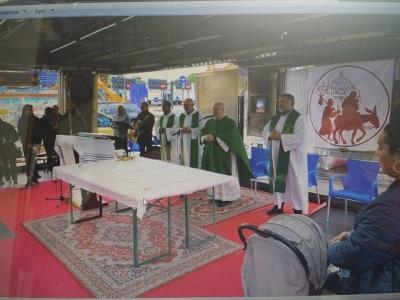 Perugia: cardinale Bassetti in visita alle famiglie dei giostrai luna park
