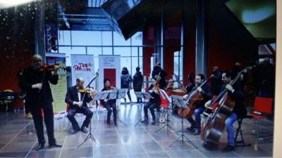 foto prima edizione concerto festa musica in aeroporto
