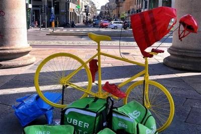 Consegne in citta': Rider sono autonomi ma pagati da dipendenti. Cassazione da ragione ai rider. Vedi il Sole 24 ore di oggi