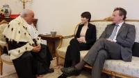 foto di Pasquale Punzi - Prof. Francesco Federico Mancini e Astronauta Samantha  Cristoforetti con Rettore Ateneo Prof. Moriconi