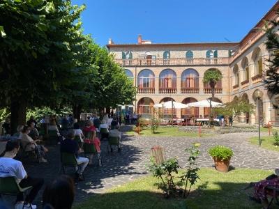 """Perugia: La Residenza protetta per anziani """"Fontenuovo"""" compie 135 anni. Una grande famiglia ...."""